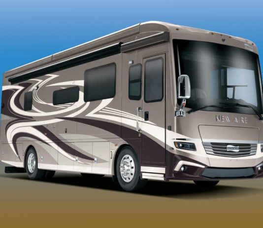 Newmar New Aire Class A motorhome